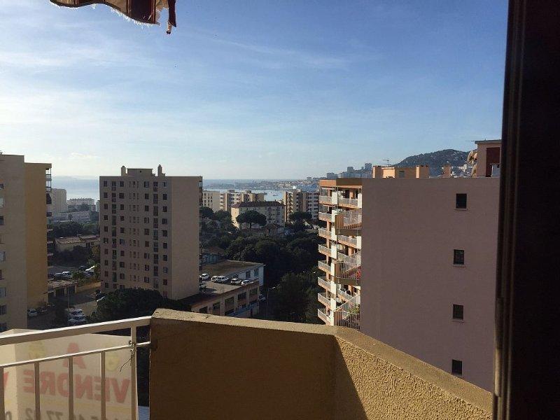 F3 proche mer et centre ville, vacation rental in Mezzavia