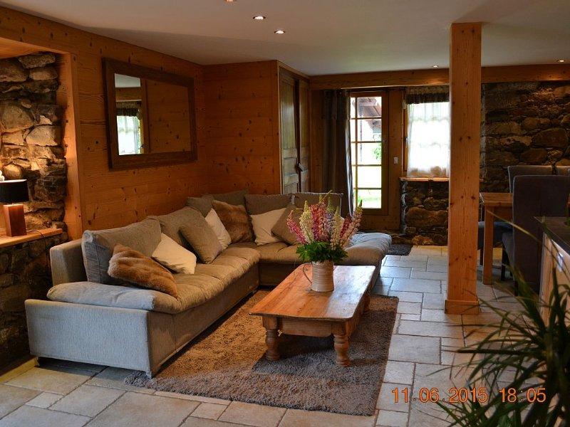 Les Tavaillons 3, appartement 4étoiles dans un magnifique chalet savoyard, holiday rental in La Clusaz