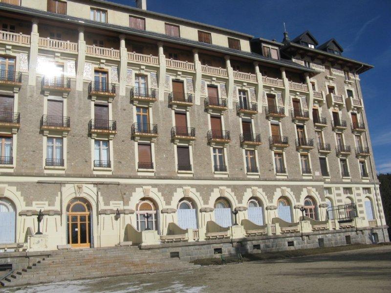 BEL APPARTEMENT  Residence du Grand Hotel  à FONT ROMEU, location de vacances à Font-Romeu-Odeillo-Via