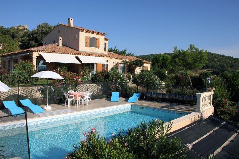 Gîte F2 dans villa provençale, au calme, piscine et  jardin,vue Ste Victoire – semesterbostad i Porquerolles Island
