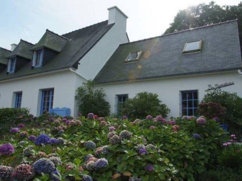 Maison bord de mer Baie de Trestel wifi gratuit, holiday rental in Trevou-Treguignec