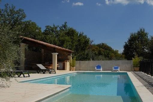 Villa avec piscine  au milieu des oliviers dans le canton de Fayence, location de vacances à La Bastide