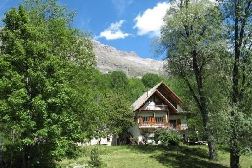 Maison isolée de caractère - Vaste terrain - PELVOUX Htes Alpes, location de vacances à Vallouise-Pelvoux