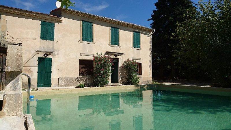 maison rénovée et confortable, dans mas provençal, au milieu des vignes, vacation rental in Valreas