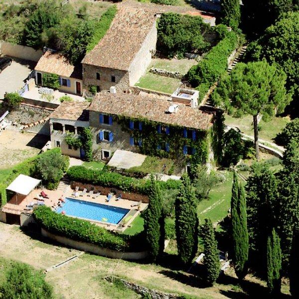 Bastide de charme du 18ème siècle au coeur de la Provence, location de vacances à Sillans-la-Cascade