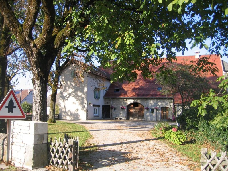 APPARTEMENT BONNEFONTAINE JURA 4 A 6 PERSONNES, holiday rental in Blye