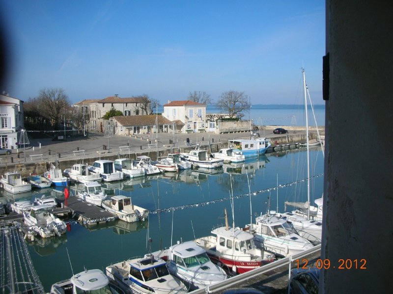 Appartement 63 m2,sur le port de la Flotte  Place parking privée, location de vacances à Ile de Ré