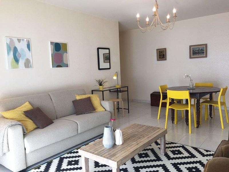 Appartement T4 tout confort avec terrasses et parking à 5 mn à pied de la gare, location de vacances à Saint-Pierre-des-Corps