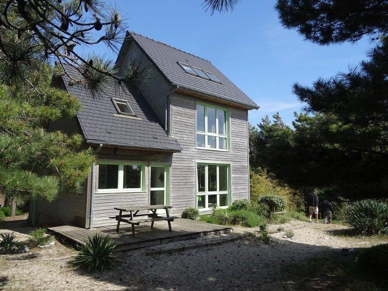 Maison en bois superbement située, avec vue mer et proche plage., vacation rental in Quend