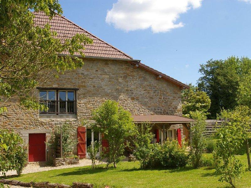 gite au calme, proche Poligny et Arbois, vignobles, lacs, cascades, randonnées, casa vacanza a Le Deschaux