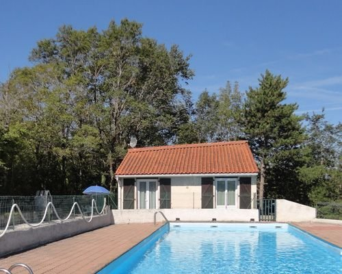 Maisonnette proche du Lac, holiday rental in Montgey