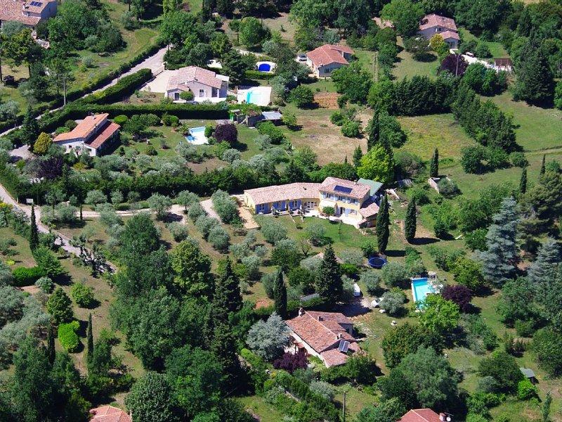 Chambres d'hôtes privatisées, casa vacanza a Saint-Cezaire-sur-Siagne