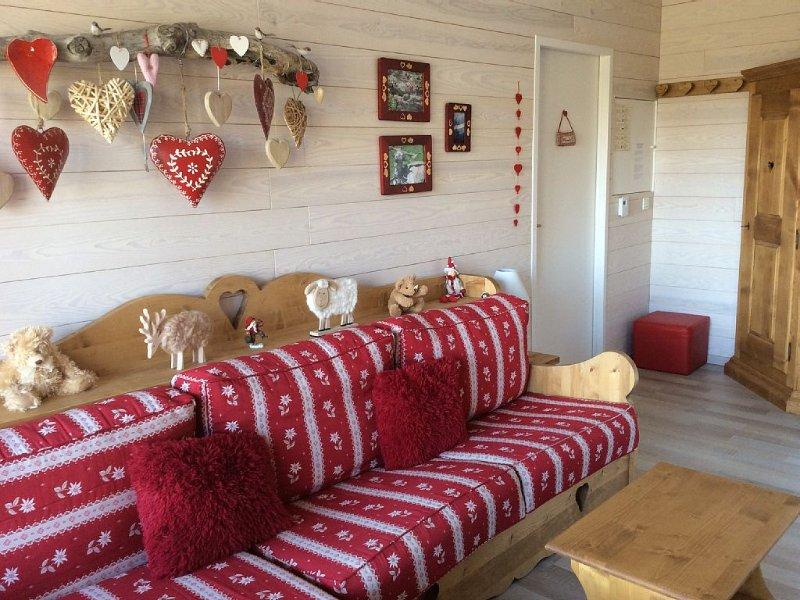 Appart. 4 pcs. 66M2,3 guestroom. a bedroom, 2 bathrooms, (sleeps 8)., holiday rental in Villarembert