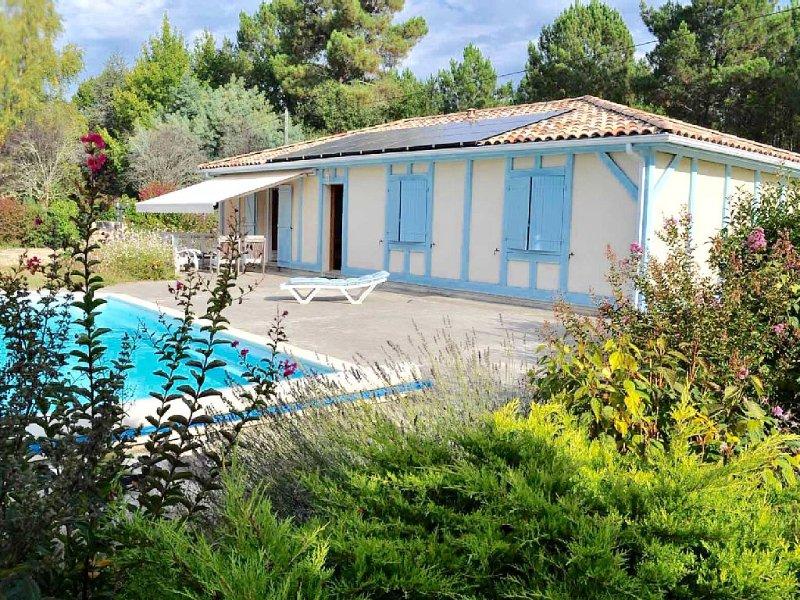 Maison proche du lac et de l'ocean , bordée par la forêt, holiday rental in Pontenx-les-Forges
