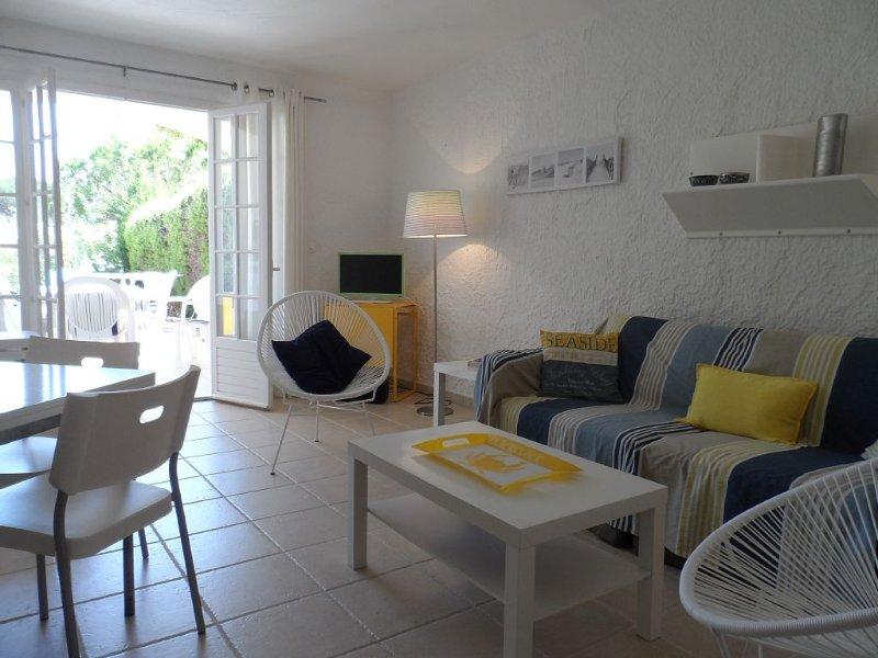 Coquet mas à deux pas de la plage de Gigaro et proche de St Tropez, location de vacances à La Croix Valmer