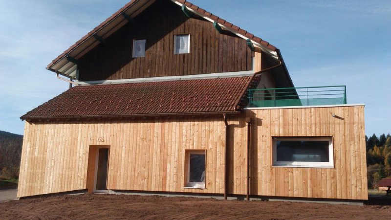 Gîte grande capacité proche lac, pistes de ski. wifi . Accès handicapé, casa vacanza a Xonrupt-Longemer