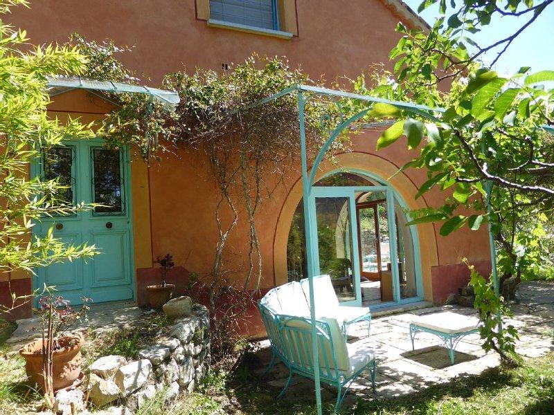 villa de charme  sud du vercors, pres dun village en montagne 900 m alttitude, holiday rental in Saint-Roman