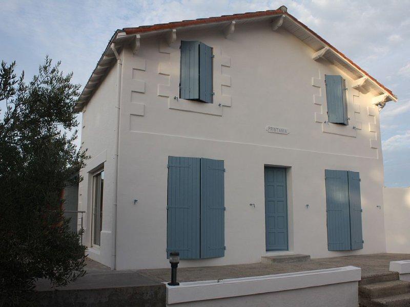 Maison avec jardin, à 500 m de la mer, 7 personnes, tout confort, vacation rental in Saint Nazaire sur Charente