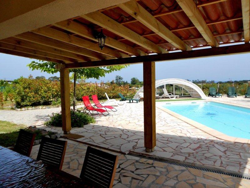 Villa Piscine privée couverte et chauffée+ spa privé + Ménage !!, holiday rental in Canale-di-Verde
