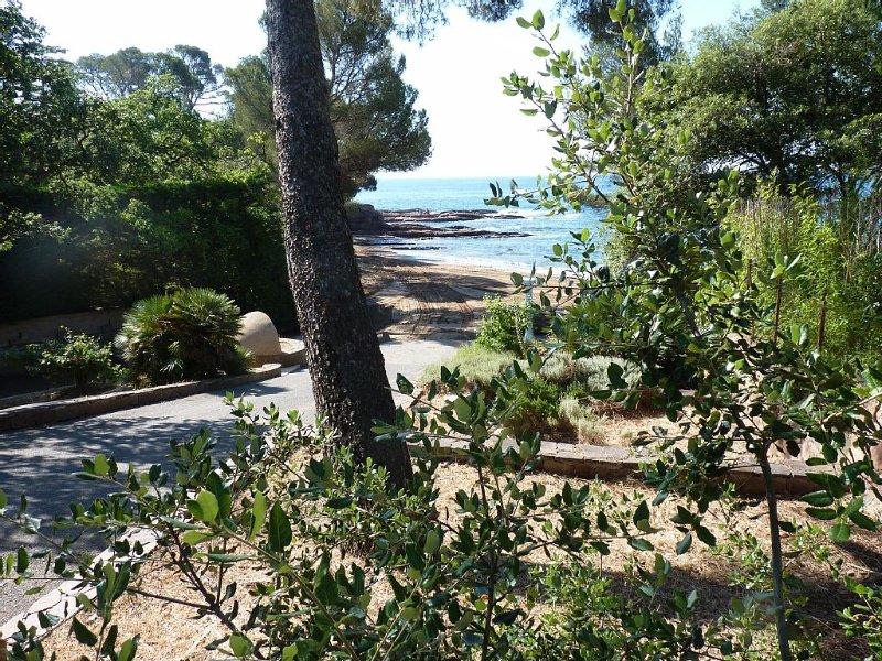 30m de la Plage, Maison climatisée, vue Mer à  jardin clos, idéal famille, vacation rental in Saint-Raphael