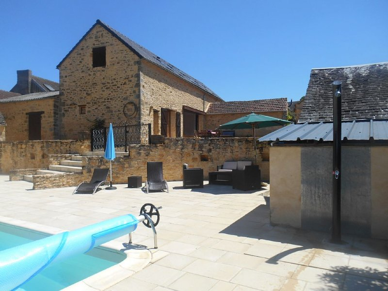 Ancien corps de ferme climatisé avec piscine chauffée privative - Proche Sarlat, location de vacances à Sarlat la Canéda