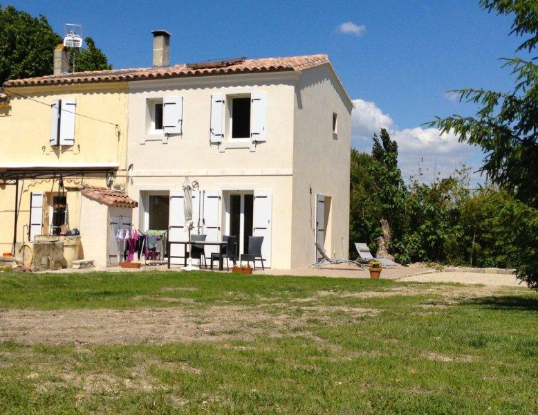 T3 dans authentique Mas Provençal, vacation rental in Arles