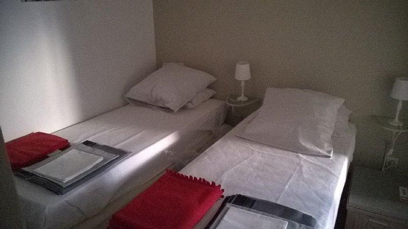 F3 sleeps 6, any comfort, label 3 stars .., location de vacances à Sainte-Maxime