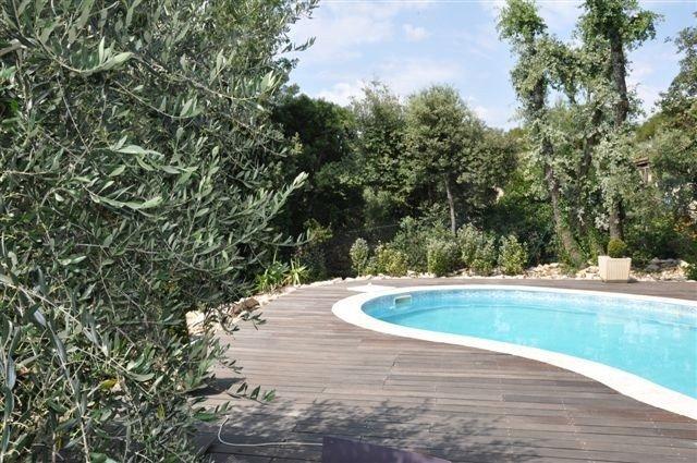 Villa Au Calme Pour 6 Personnes, Belles Prestations , Vue Sur Les Collines, holiday rental in Gareoult