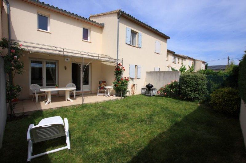 Villa clôturée, 4 pers, jardin, St-Quentin-la-Poterie 4km d'Uzès l'historique,, vacation rental in Uzes