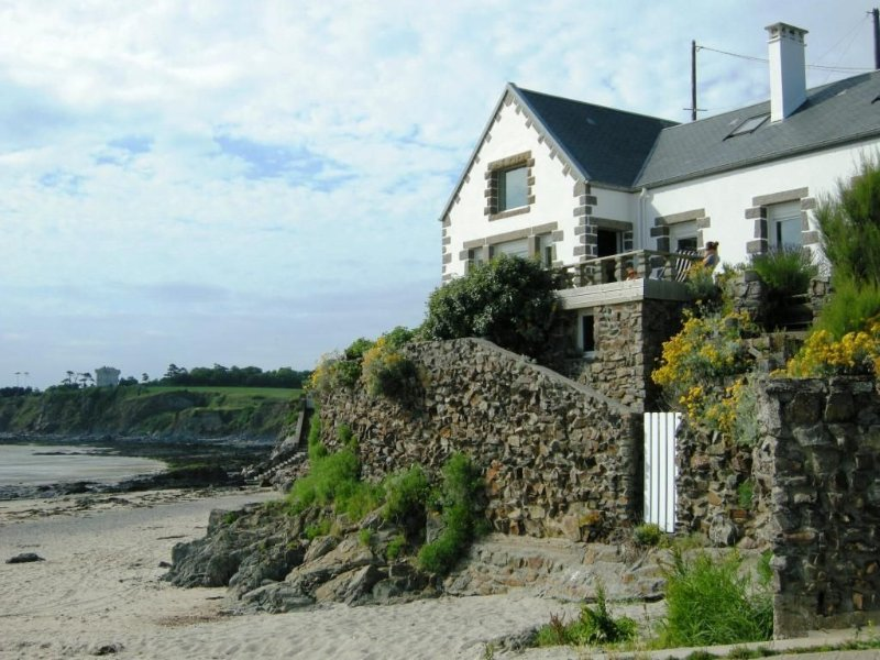 emplacement exceptionnel sur la plage pour cette villa de charme, alquiler vacacional en Granville