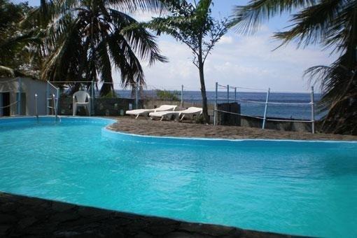 Bungalow 'Touloulou' les pieds dans l'eau MARTINIQUE Antilles, holiday rental in Martinique