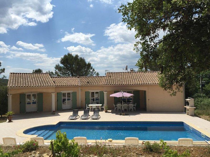 Villa sur les hauteurs de Nîmes en pleine garrigues, holiday rental in Nimes