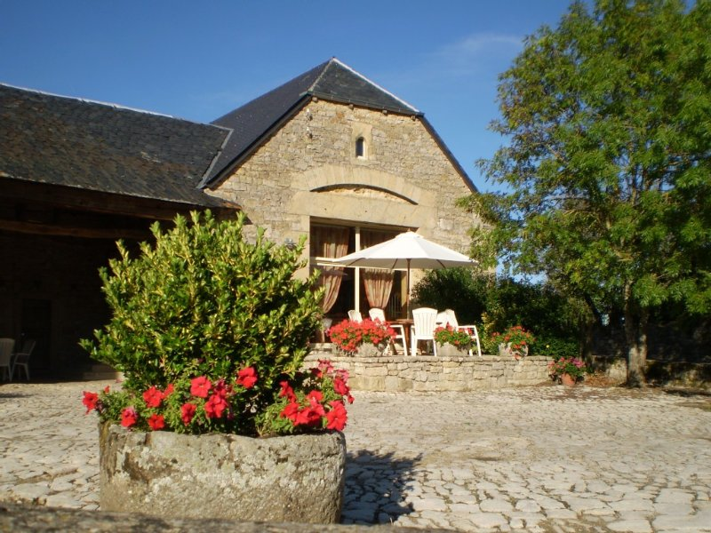 Gîte rural de 2 à 9 personnes, holiday rental in Aveyron