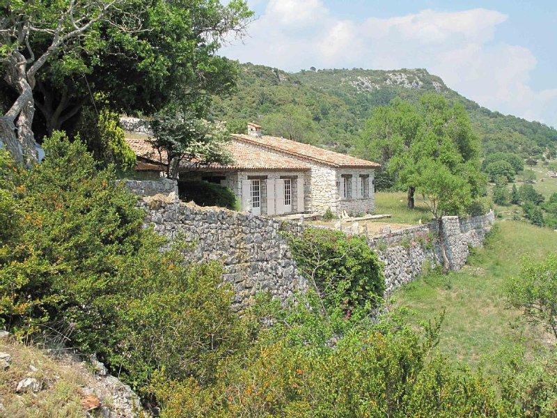 Emplacement magnifique, en pleine nature, 3 pcs, 5 pers, Belvédère exceptionnel, location de vacances à La Bastide
