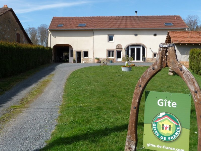 Gite du Petit Pierrepont: calme, confort et authenticité, holiday rental in Bruyeres