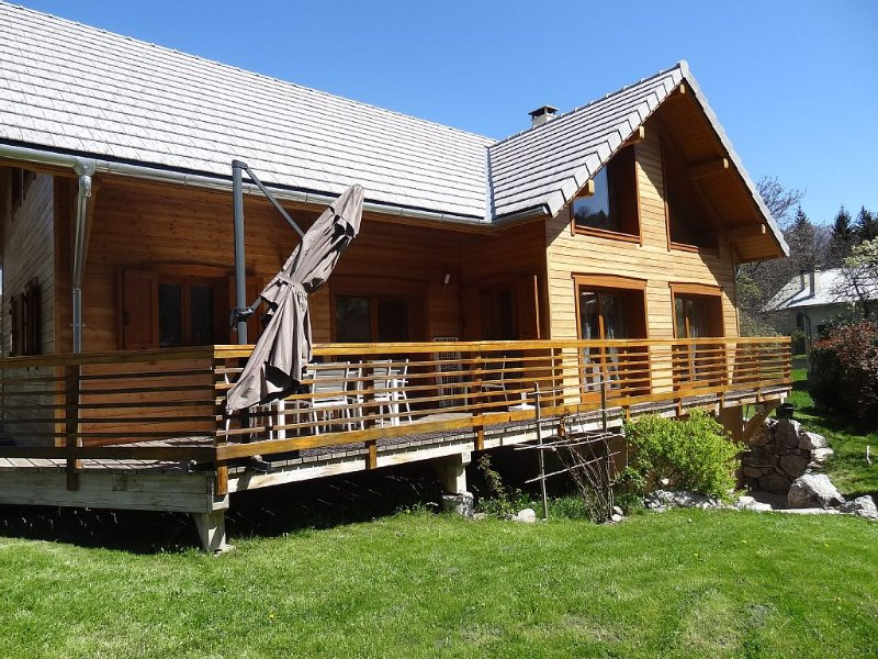New chalet 12 people, vacation rental in Risoul