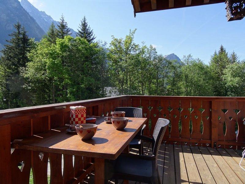 A la ferme de Pralognan, LES PRESELOIGNES appartement de caractère et  raffiné., holiday rental in Savoie