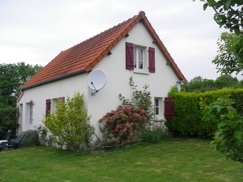 Country Cottages near the sea- between Mont St Michel and the landing beaches, vacation rental in Pretot-Sainte-Suzanne