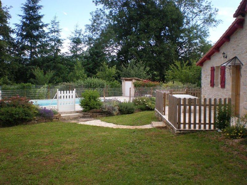 Maison de caractère au coeur du parc naturel des Causses du Quercy, location de vacances à Parisot