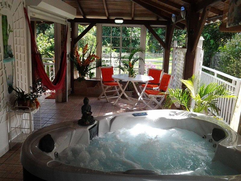 Le 'Petit Pavillon*** classé meublé de tourisme 3 étoiles  ' piscine -spa- wifi-, location de vacances à Arrondissement of Fort-de-France