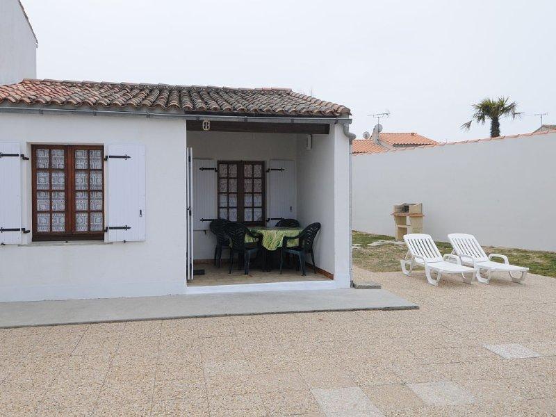Maison confortable au calme à proximité immédiate de la plage, holiday rental in Rivedoux-Plage