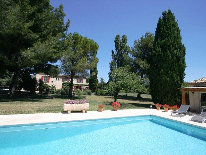 Mas provençal aux pieds de la Citadelle des Baux de Provence, holiday rental in Les Baux de Provence