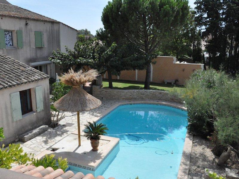 MAISON FAMILIALE EN PROVENCE (NOVES), holiday rental in Noves