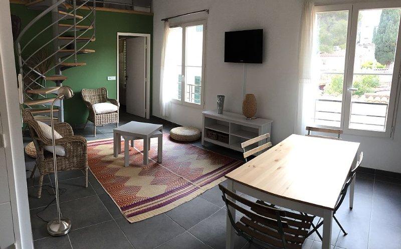 Duplex 40m2, 4 couchages au coeur du village sur l'ile de Porquerolles, location de vacances à Hyères