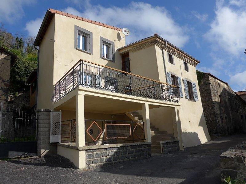 Gite Rural en Auvergne, holiday rental in Saint-Diery