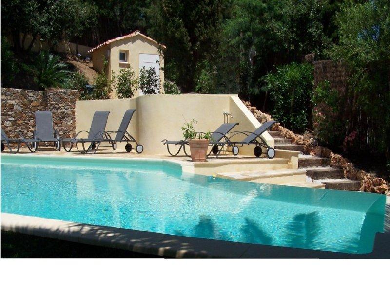 Golfe de St Tropez - villa vue mer panoramique 6/8p - 200m plages et calanques, holiday rental in Les Issambres