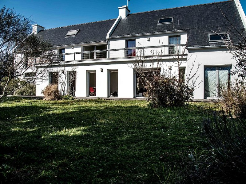 Large modern family home, 4 bedrooms, 300m from the sea, big garden south, holiday rental in Saint-Pierre-Quiberon