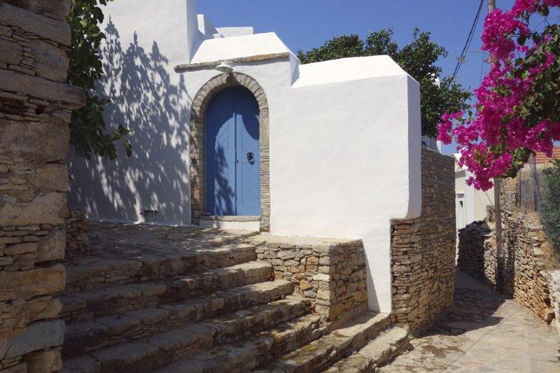 MAISON DE CARACTERE AU COEUR DU VILLAGE HISTORIQUE DE SYMI, holiday rental in Symi