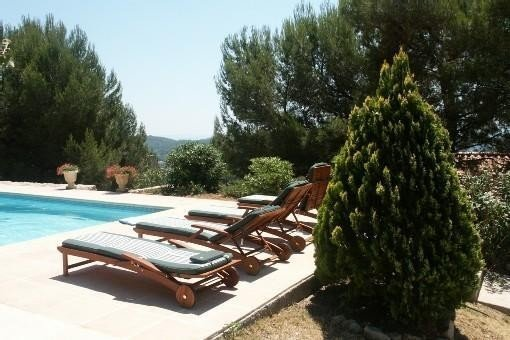 Sanary-sur-mer :  T3 avec jardin et piscine, holiday rental in Evenos