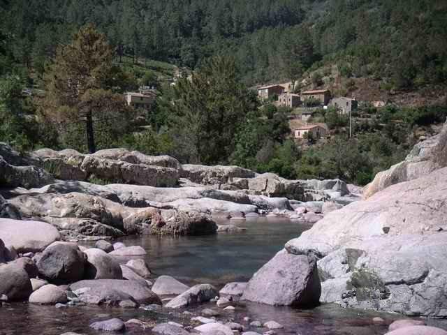 Maison proche rivière du Fango avec Jardin pour 5 personnes, mer et montagne, alquiler de vacaciones en Evisa